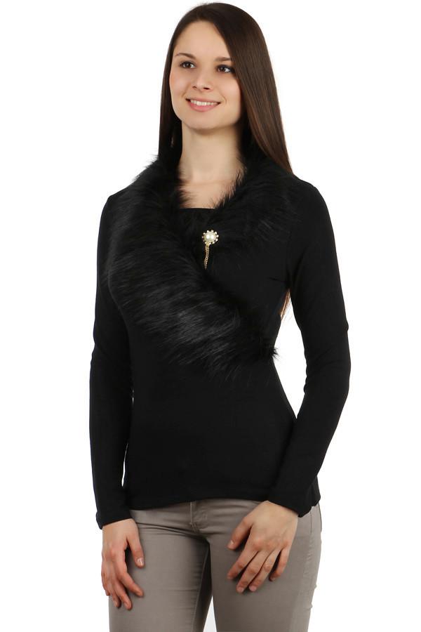 4c218b385611 Spoločenské dámske tričko s kožušinou a brošňou