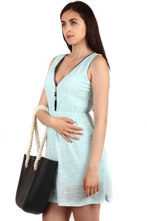 Krátke šaty s ozdobou na zipse d05ef5f90b7