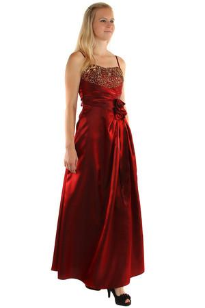 9145134e1b62 Dlhé lesklé večerné šaty so zlatou výšivkou