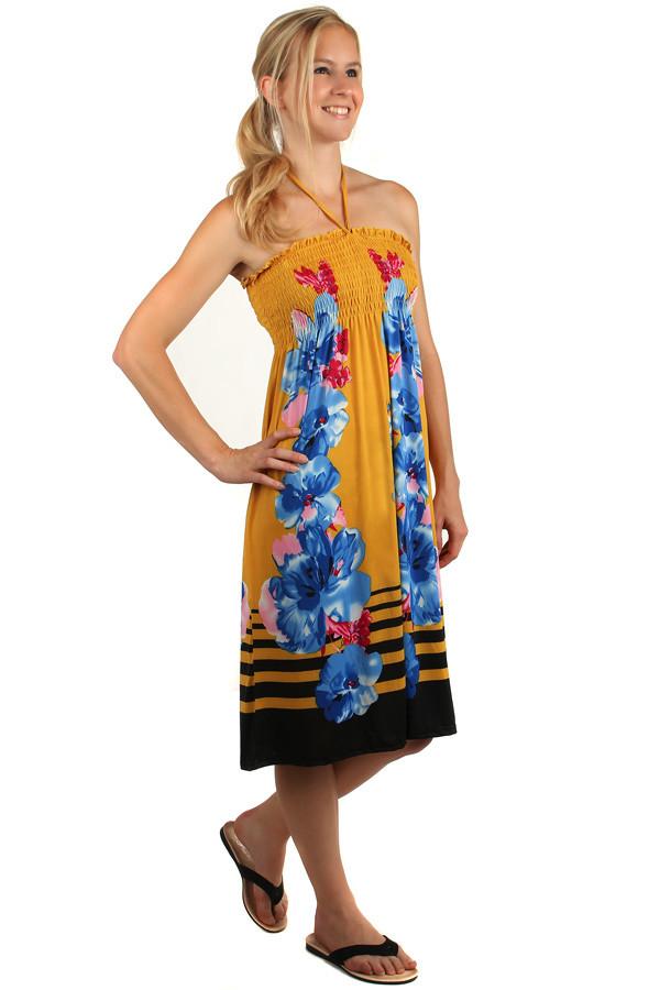 Plážové kvetované šaty s odhaleným chrbtom  7a7c9074cda
