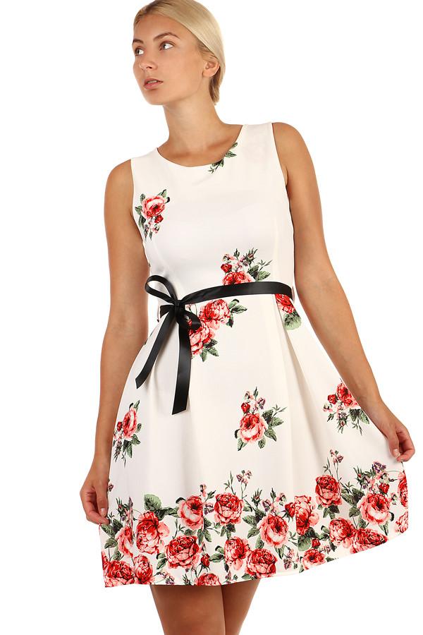 c39fbc862b3e Romantické šaty áčkového strihu s potlačou a stuhou