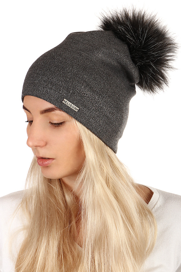 a9c8089e1 Zimná dámska čiapka s chlpatym brmbolcom | Glara.sk