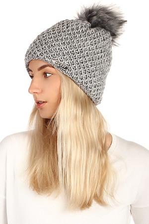6cc0f3c26 Pletená zimná dámska čiapka s brmbolcom