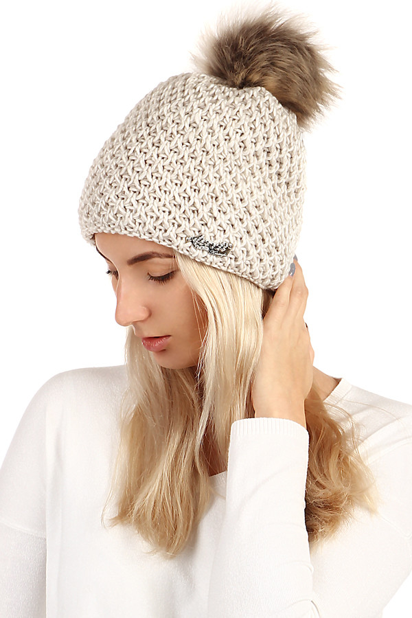 9ac9e11fb Pletená zimná dámska čiapka s brmbolcom | Glara.sk