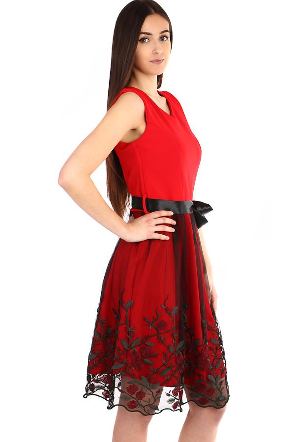 21236471a Spoločenské šaty s tylovou vyšívanou sukňou | Glara.sk