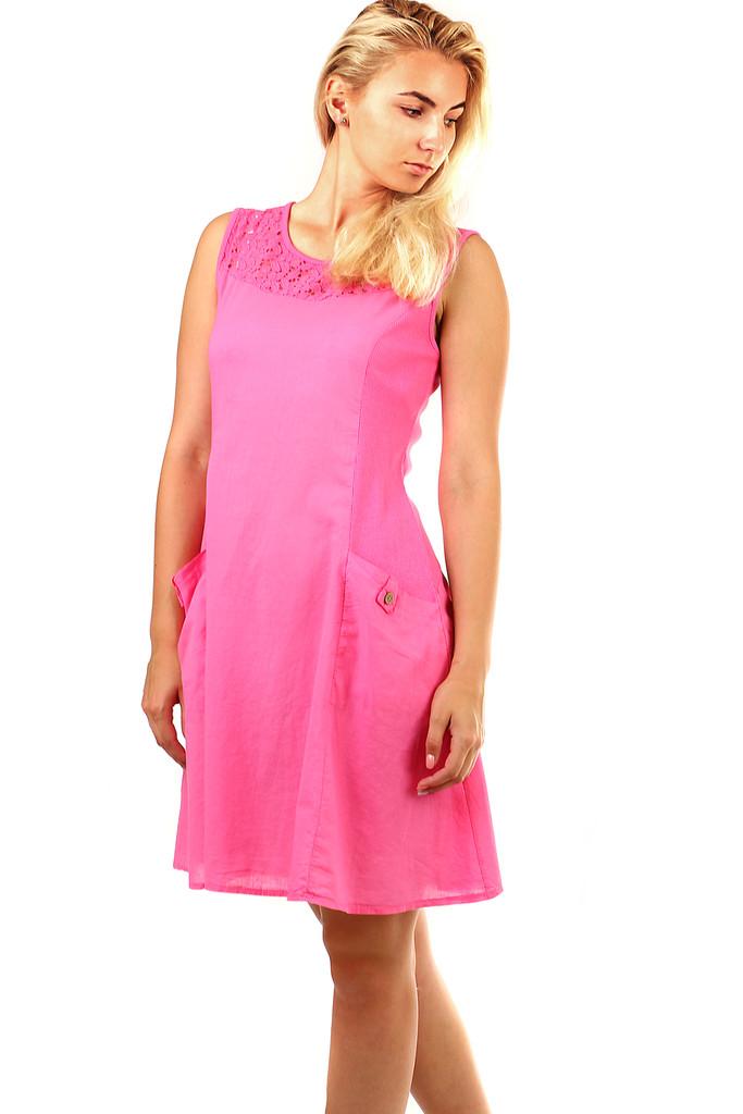 fc0cc3b25f2d Krátke letné šaty s výraznými vreckami a krajkou