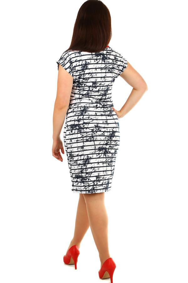 48782f369f98 Elegantné dámske pruhované šaty nadmerné veľkosti