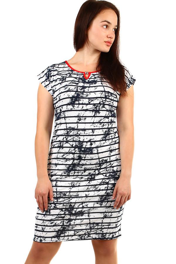 b959550de3a4 Elegantné dámske pruhované šaty nadmerné veľkosti