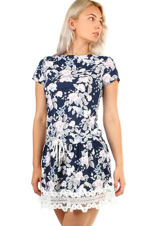 Letné krátke šaty s kvetovanou potlačou a krajkou ad72a063de7