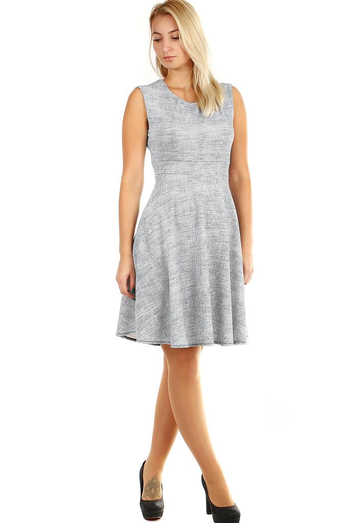 bd7575ba124f Spoločenské šaty áčkového strihu
