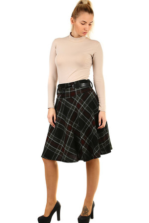 d67d330964f0 Áčková sukňa s károvaným vzorom