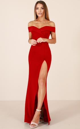Luxusné červené spoločenské šaty l  46ea3f1baef