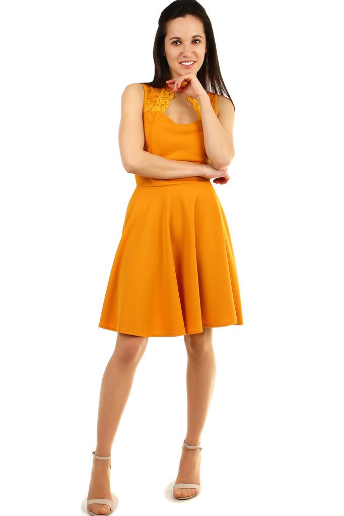 3c113c1600c2 Spoločenské dámske šaty s čipkou