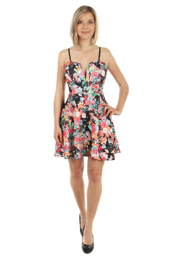 Kvetované krátke áčkové letné šaty  81170606efb