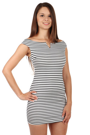 Krátke dámske námornícke šaty s pásikmi 73a60a5a7f0